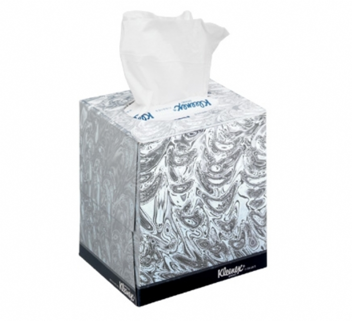 8834 KLEENEX Facial Tissues