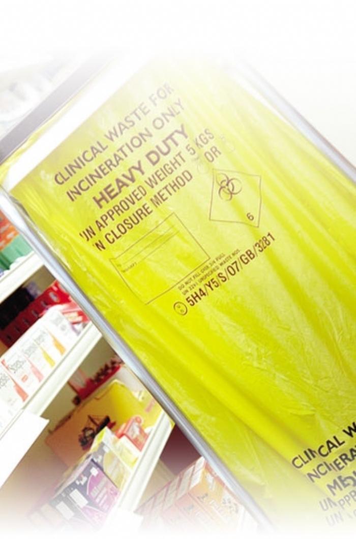 CX25/M085 Clinical Waste H/ Duty Roll (15/28x39)